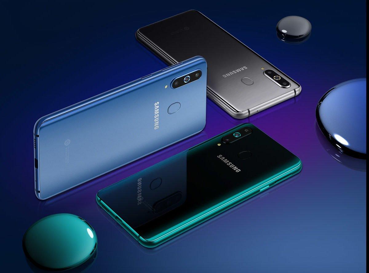 Первый смартфон Samsung с дырявым дисплеем доступен для заказа