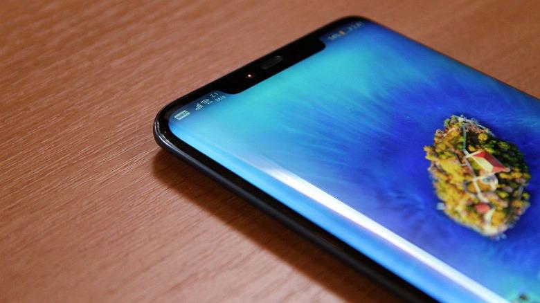 Смартфон Huawei P30 Pro может получить изогнутый дисплей OLED с обычным вырезом