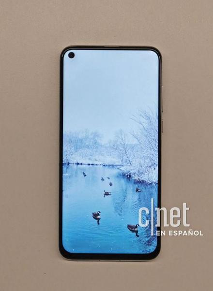 Huawei Nova 4 - первый смартфон производителя с «дырявым» экраном - засветился на качественных изображениях