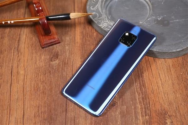 Компактные флагманы ждёт возрождение. Huawei готовит смартфон Mate Mini