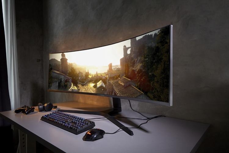 CES 2019: Гигантский игровой монитор Samsung CRG9 с соотношением сторон 32:9