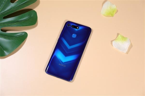 Honor: Xiaomi нам не конкурент, мы давно впереди – фото 1