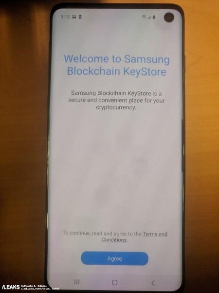 Живые фотографии демонстрируют флагманский Galaxy S10 в работе и новый сервис Samsung