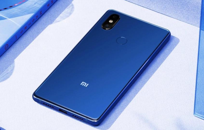 Упрощённая версия флагмана - модель Xiaomi Mi 9 SE - может быть представлена вместе с Mi 9