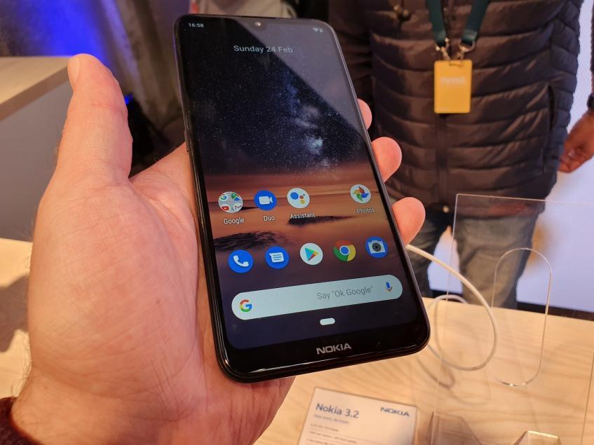 Недорогие смартфоны Nokia 3.2 и Nokia 4.2 с каплевидным вырезом