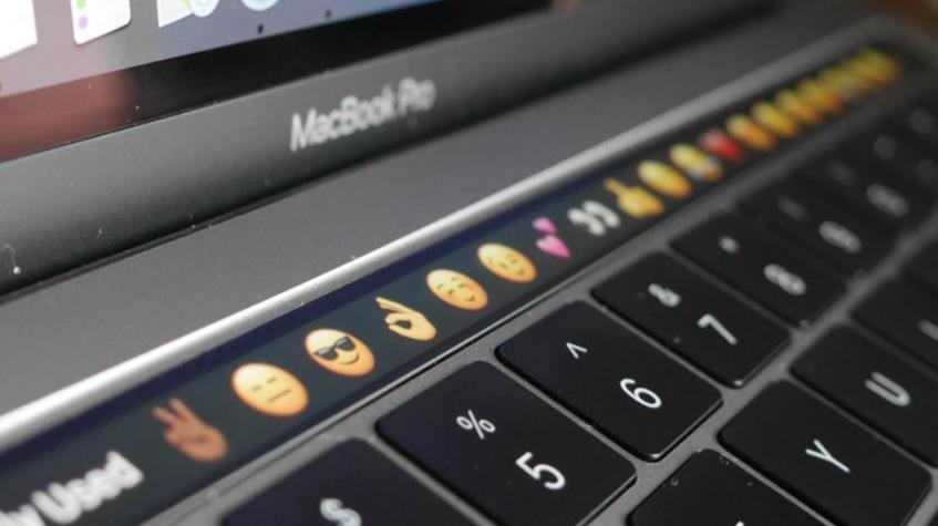 Apple сделает в MacBook стеклянную клавиатуру