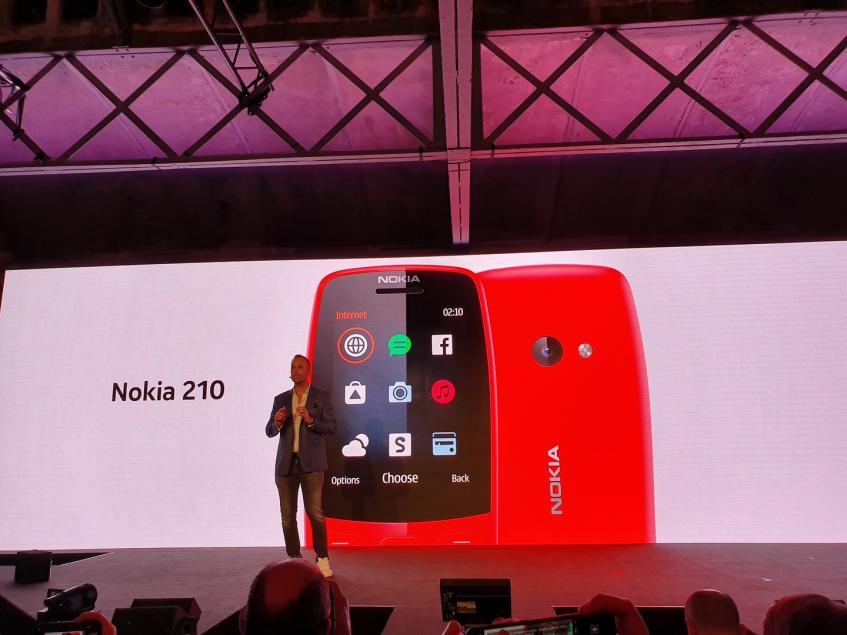 Nokia 210 стал самым доступным телефоном с интернетом