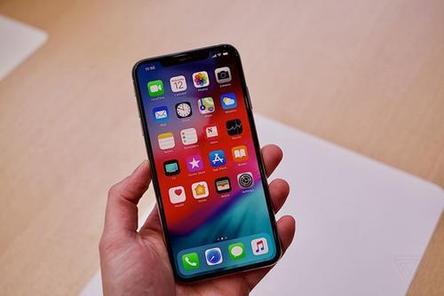 Apple готовится выплатить компенсацию пользователям из-за замедления смартфонов iPhone - 1