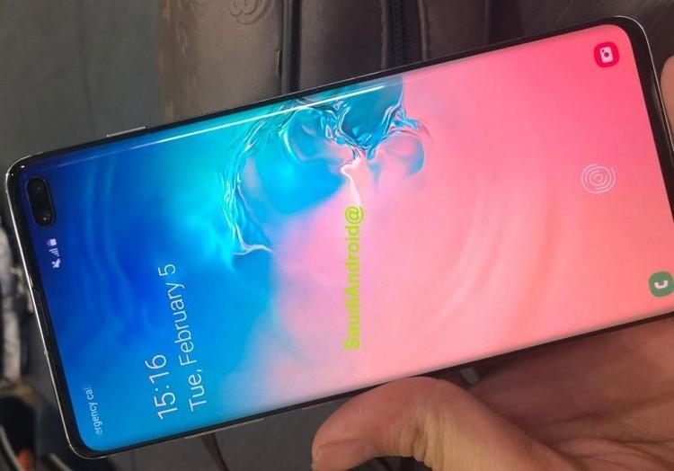 Фото дня: Galaxy S10 в качестве зарядника, новые беспроводные наушники и прочее