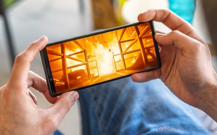 Флагманский смартфон Sony Xperia 1 появился в предзаказе