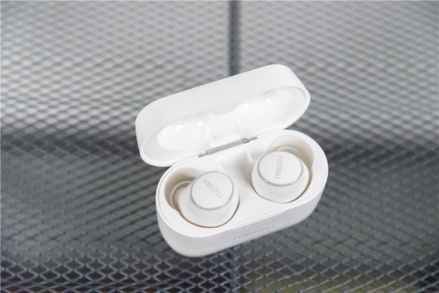 Meizu POP 2 — новые беспроводные наушники за – фото 3