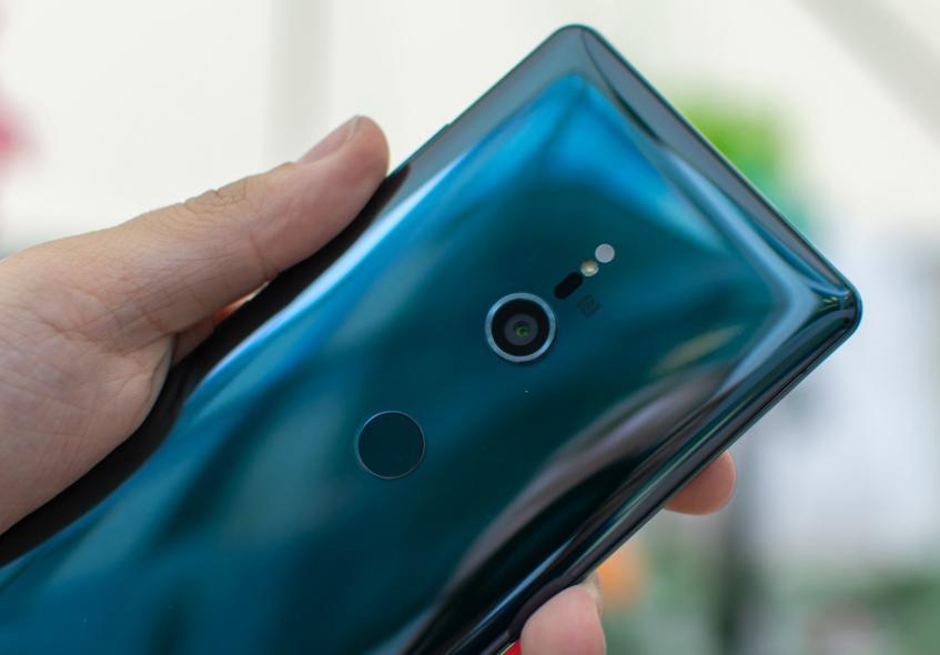 Смартфоны перестали приносить Sony доход