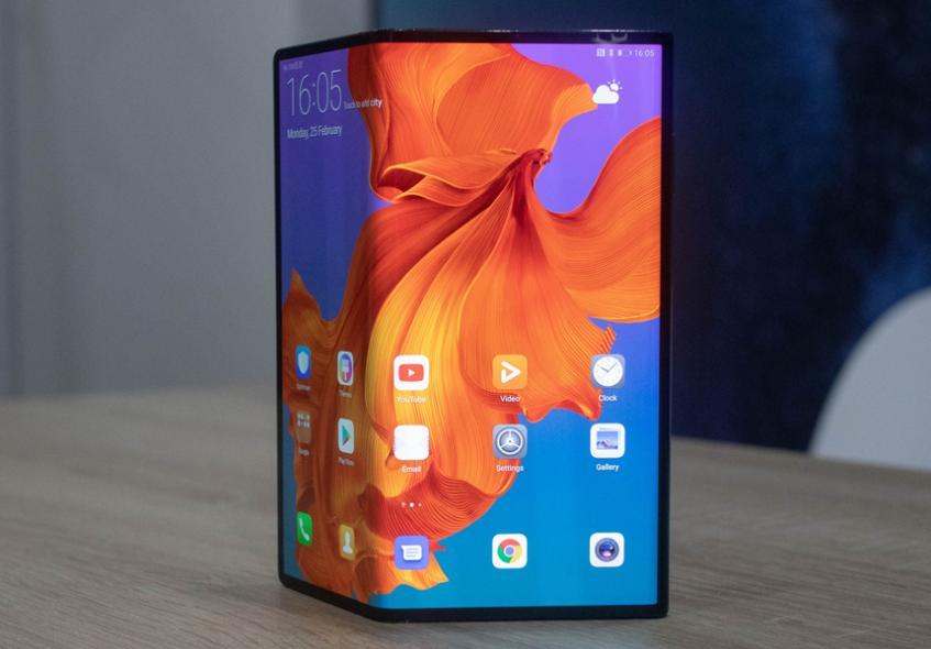 Заказать складной флагман Huawei из Китая можно дешевле, чем ожидалось