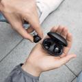 У Apple AirPods новый конкурент - представлены беспроводные наушники Nubia Pods ценой $120