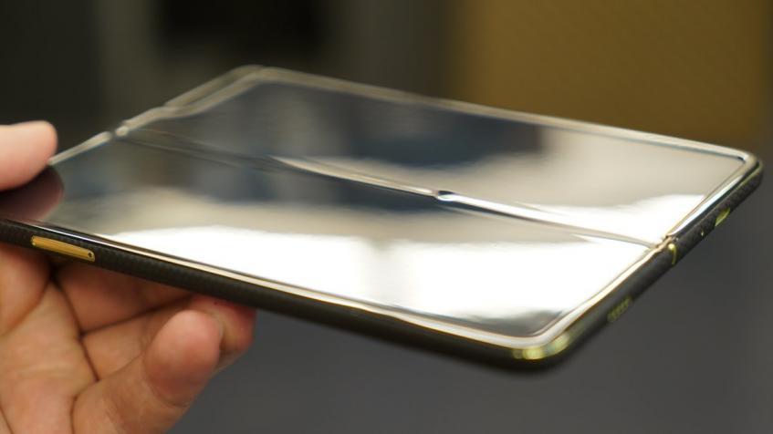 Складной смартфон Samsung Galaxy Fold выходит из строя из-за пыли