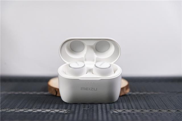 Meizu POP 2 — новые беспроводные наушники за – фото 2