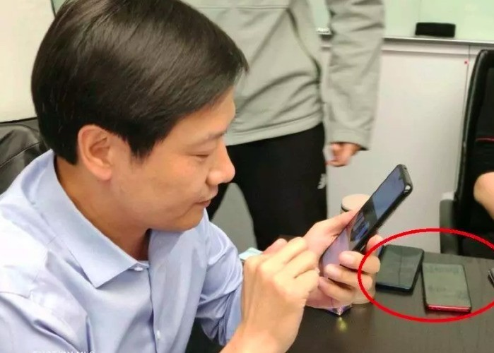 Бюджетный флагман Redmi на базе Snapdragon 855 замечен у главы Xiaomi