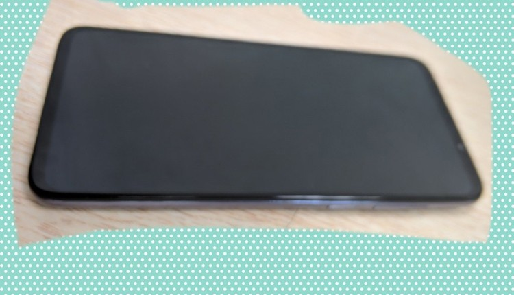 Игрофон Meizu 16T позирует на «живых» фотографиях