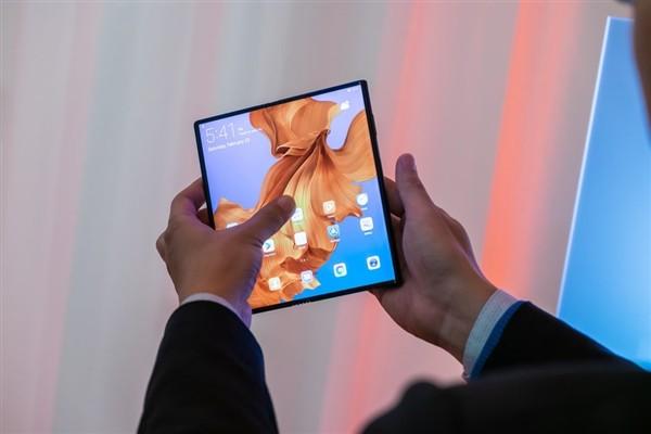 Huawei Mate X появится на рынке в срок – фото 1