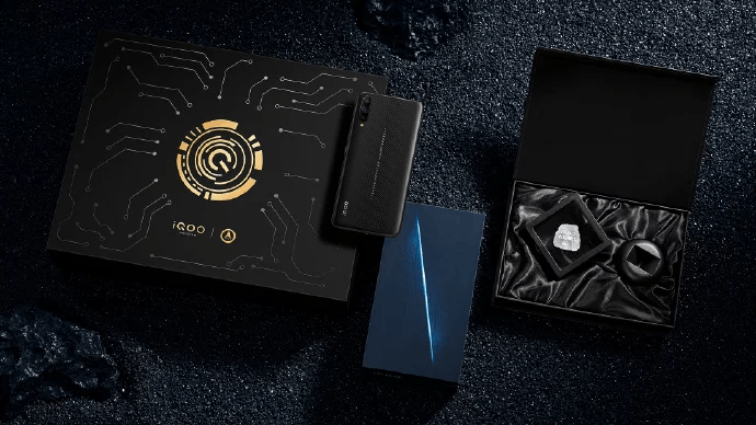 Vivo iQoo Space Knight Limited Edition содержит металлическую пластину с космического корабля Шэньчжоу