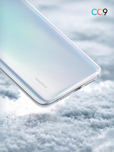 Новые рендеры Xiaomi CC9: хитрый белый цвет как у Samsung Galaxy S10+, порт USB-C и стандартный разъем для наушников