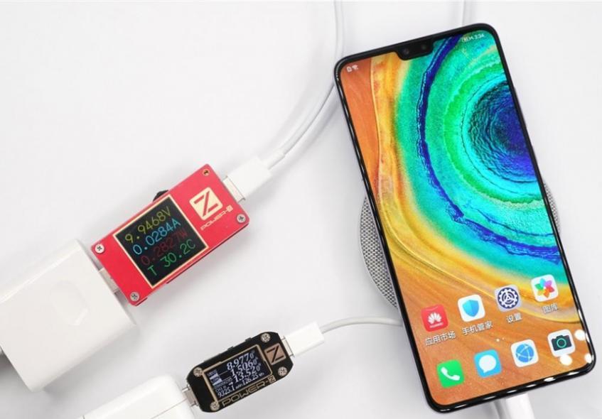 Флагманские смартфоны попытались зарядить проводным и беспроводным способом одновременно - 1