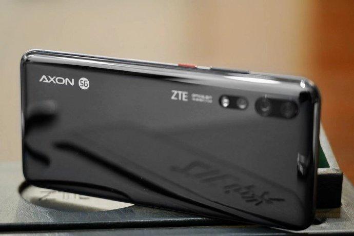 Так выглядит первый в мире смартфон на Snapdragon 865