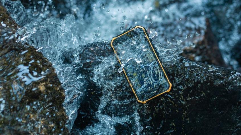 Первый в мире неубиваемый смартфон с Android 10