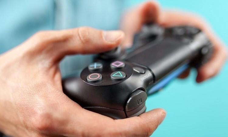 Контроллер DualShock 5 может получить совместимость с PlayStation 4