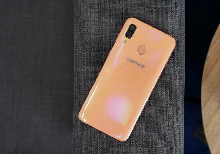Samsung продолжит оснащать недорогие смартфоны огромными аккумуляторами. Как минимум это справедливо для Galaxy A31