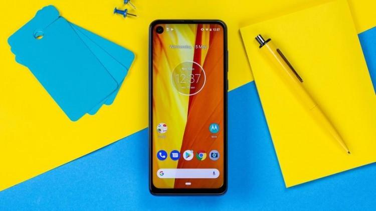 Следующий флагманский смартфон Motorola будет называться Edge+ - 1