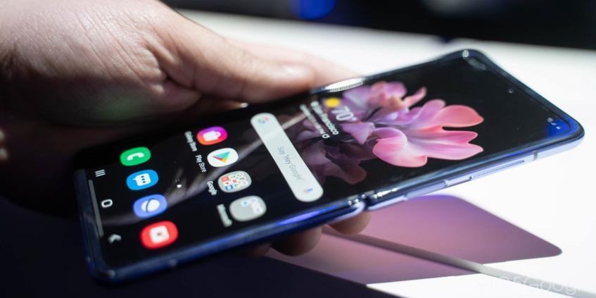 Гибкий дисплей Samsung Galaxy Z Flip треснул после первого же закрытия - 1