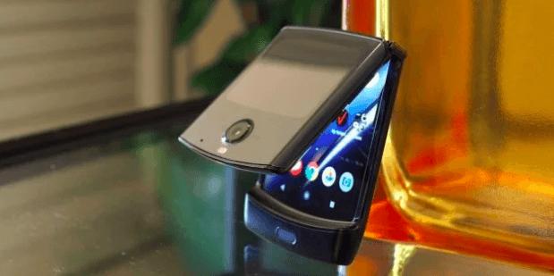 Motorola не согласна с результатами теста Razr 2019: его не там и не так складывали