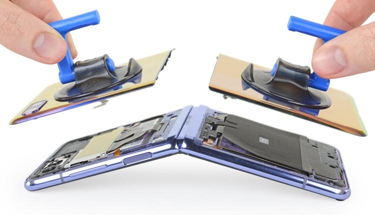 Неудовлетворительно: в iFixit оценили ремонтопригодность смартфона Samsung Galaxy Z Flip