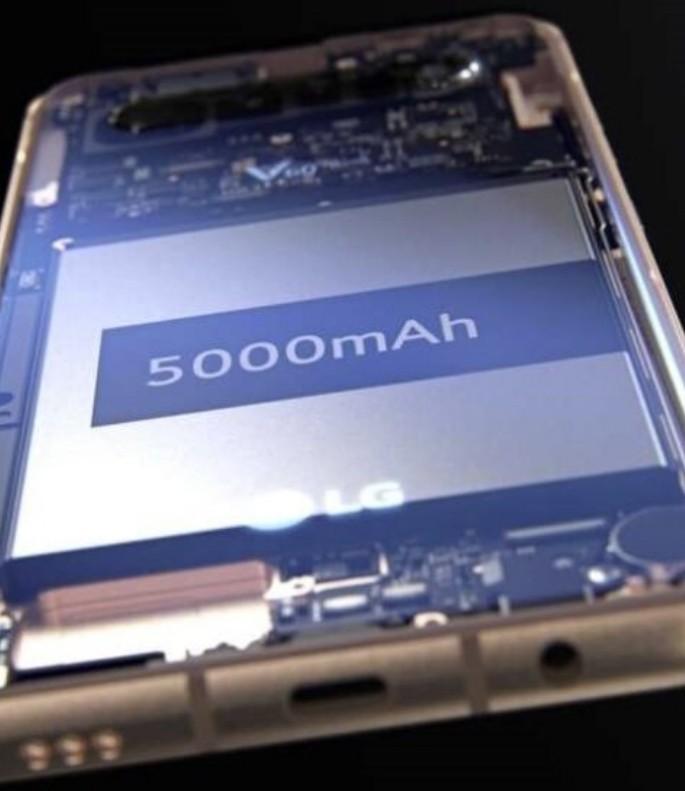 «Утёкшее» изображение смартфона LG V60 ThinQ демонстрирует квадрокамеру и мощную батарею