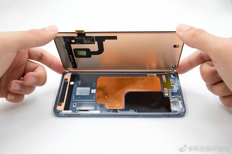 Юбилейный флагман Xiaomi Mi 10 обзавелся сверхэффективной системой охлаждения - 1