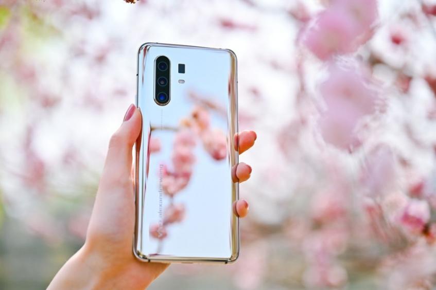 Невероятно красивый смартфон Vivo X30 Mirror Edition