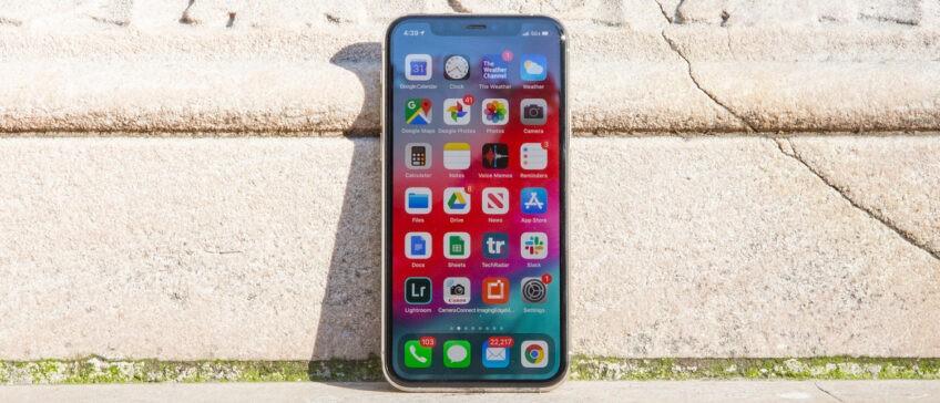 Apple сломала iPhone. Бесконечная перезагрузка, быстрая разрядка, проблемы с видео
