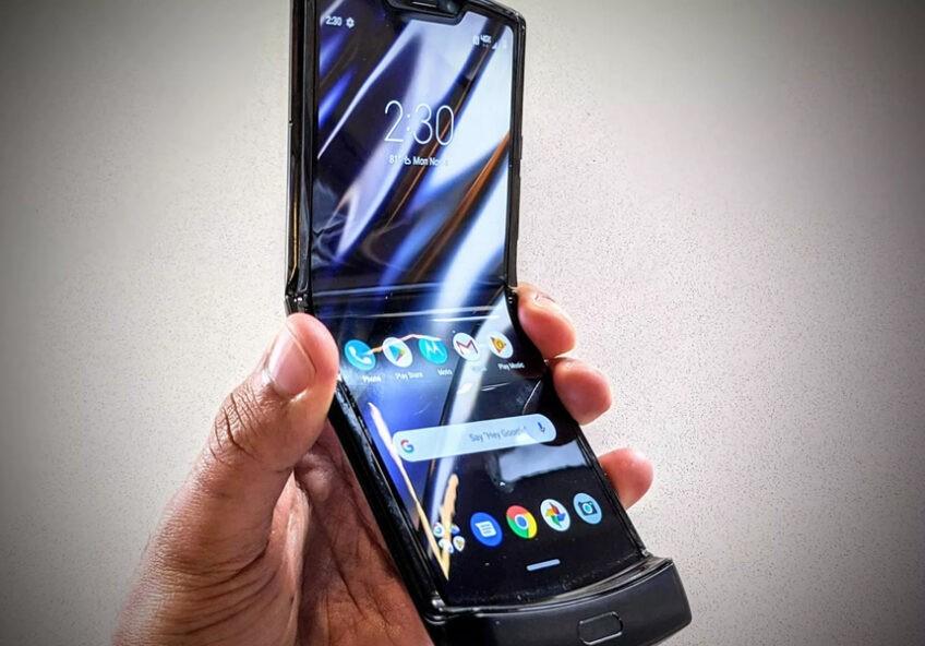 2-ое поколение гибкого телефона Motorola Razr выйдет ранее, чем ожидалось - 1