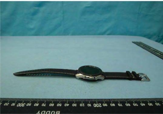 Первые фото Samsung Galaxy Watch 3 со всех сторон