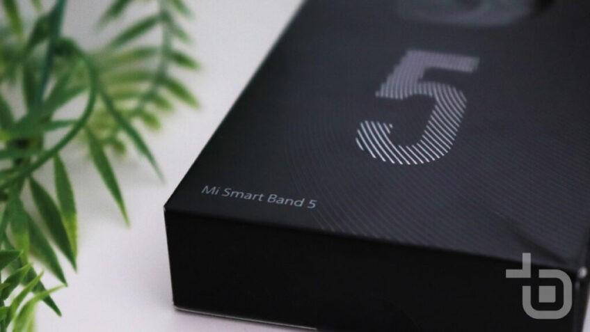 Распаковка и живые фото европейской версии Xiaomi Mi Band 5