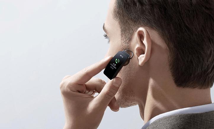 Уникальный браслет-гарнитура Huawei Band B6 поступил в продажу у себя на родине