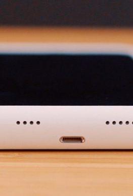 Apple серьёзно преувеличила дополнительную автономность, обеспечиваемую чехлами Smart Battery Case
