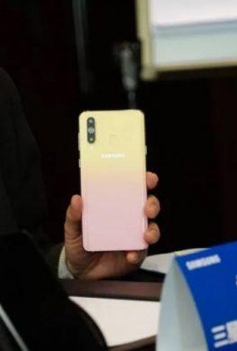Анонсирован смартфон Samsung Galaxy A8s Female Edition - 1