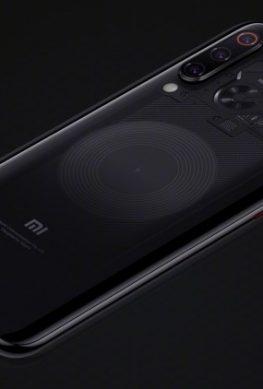 Xiaomi призналась, что прозрачный смартфон Mi 8 Transparent Explorer Edition вовсе не прозрачный