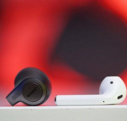 Apple AirPods заняли 60% мирового рынка полностью беспроводных наушников, Jabra Elite Active 65t - вторые