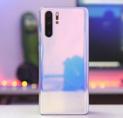 Huawei прокомментировала скандал с водозащитой флагманского P30 Pro