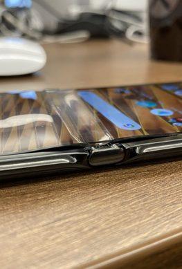 Motorola: не волнуйтесь, мы уверены в качестве гибкой матрицы Razr – фото 1