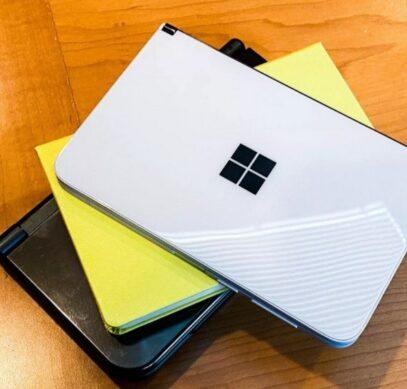 Внутренности смартфона-книжки Microsoft Surface Duo показались на фотография