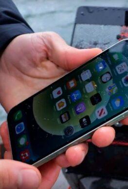 Лучше, чем ожидалось: Apple iPhone 12 выдержал погружение на девять метров вместо 6